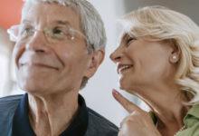 Как помочь близкому человеку, который теряет слух