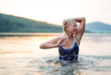 «Годы ушли»: почему женщин заставляют поверить, что все лучшее — в прошлом?
